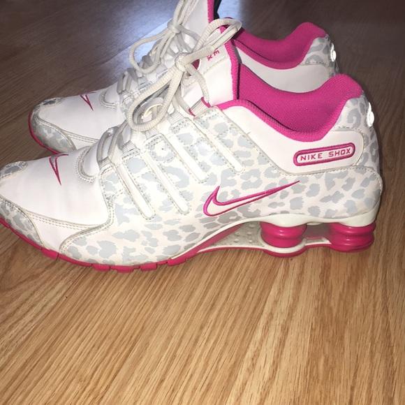 3f9edf25f0c7 Nike shox cheetah print. M 5a527926caab4484ad01ba92